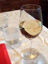 まずは白ワイン♪